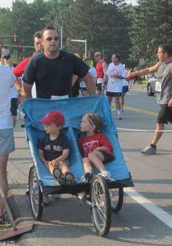 Dad Finishes Race with 2 Kids