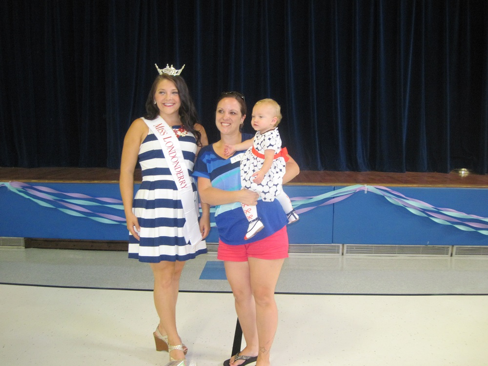 Miss Lderry, Mom & Best Dressed Baby (later seen in another adorable dress)